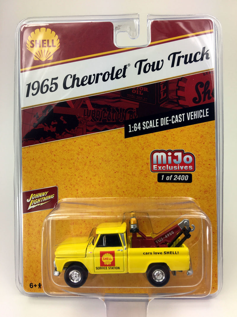 "JOHNNY LIGHTNING - 1965 CHEVROLET TOW TRUCK SHELL MIJO EXCLUSIVE ""YELLOW"""