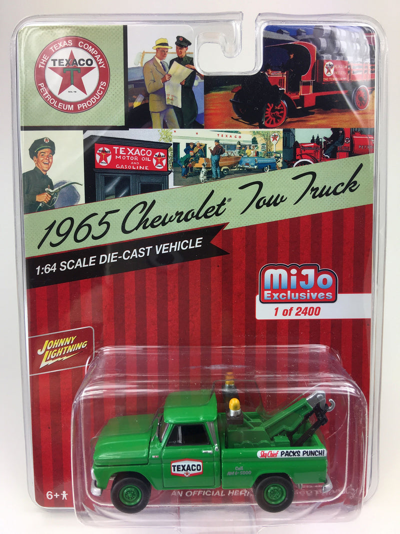 "JOHNNY LIGHTNING - 1965 CHEVROLET TOW TRUCK TEXACO MIJO EXCLUSIVE ""GREEN"""