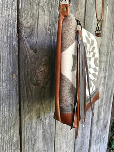 Graystone Deluxe - Handcrafted Leather and Wool Bag