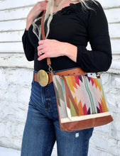 Earthy Arrow Deluxe - Handcrafted Leather and Wool Bag