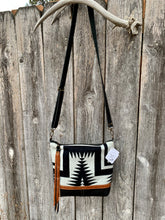Amitabha Deluxe - Handcrafted Leather and Wool Bag