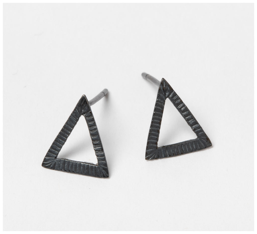 Abby Seymour – Triangle Oxidised Silver Earring