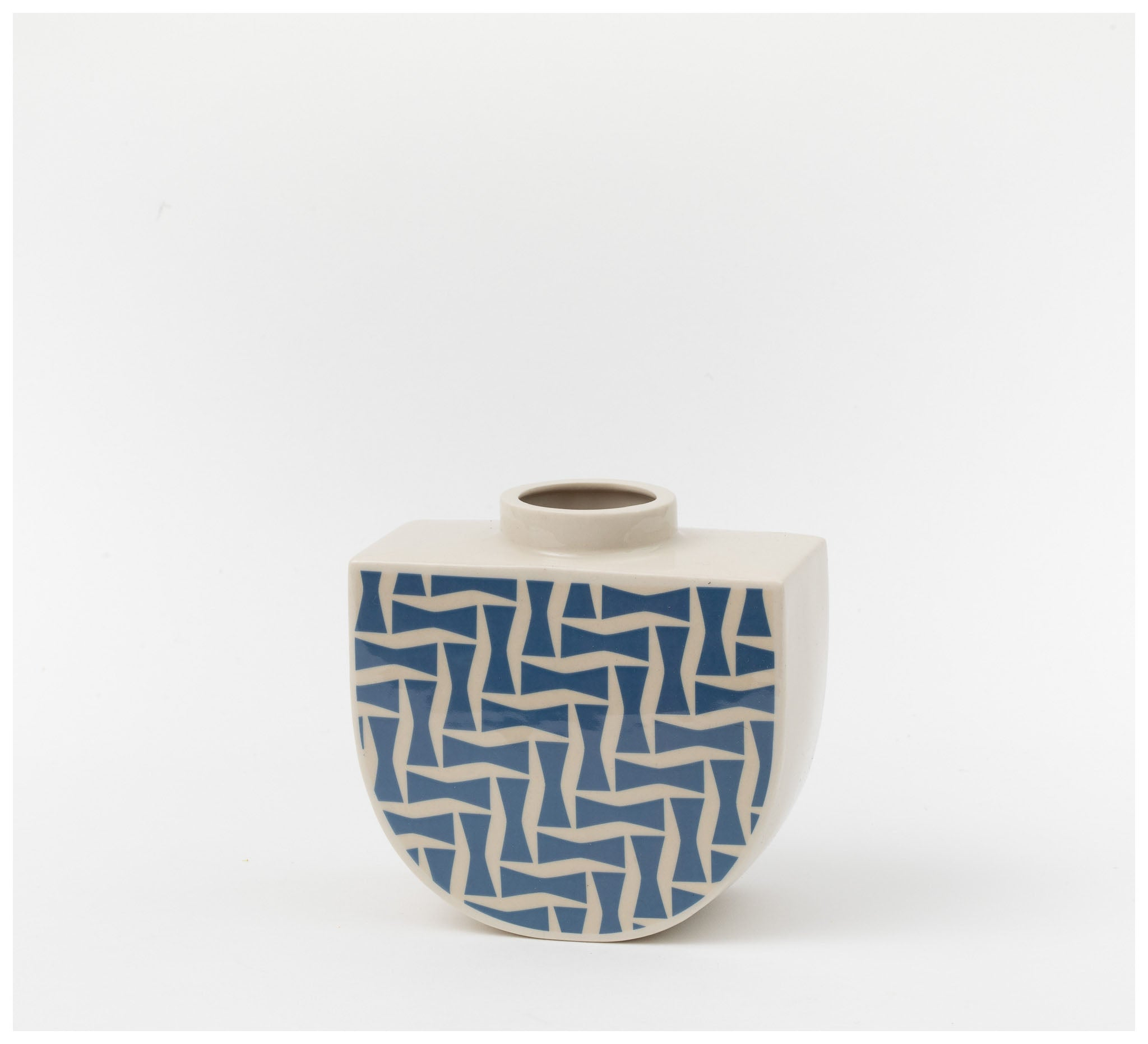 Erin Lightfoot - Boat Vase - Mimi