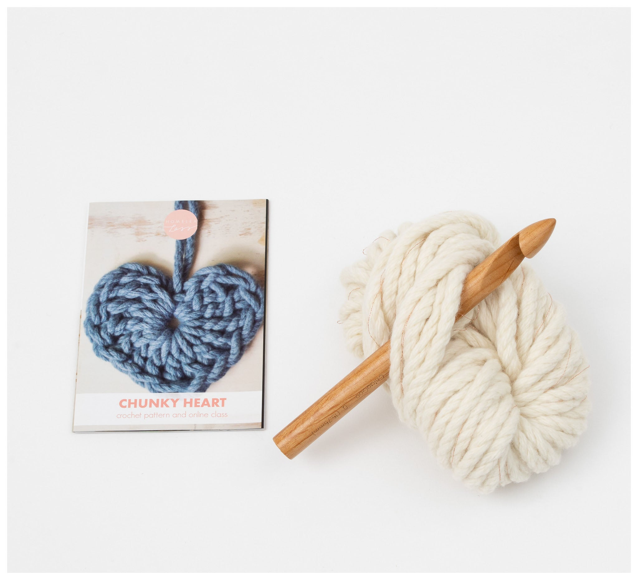 Homelea Lass - Chunky Heart Crochet Kit - Natural with Rose Sparkle