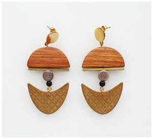 Middle Child - Anchor Earrings