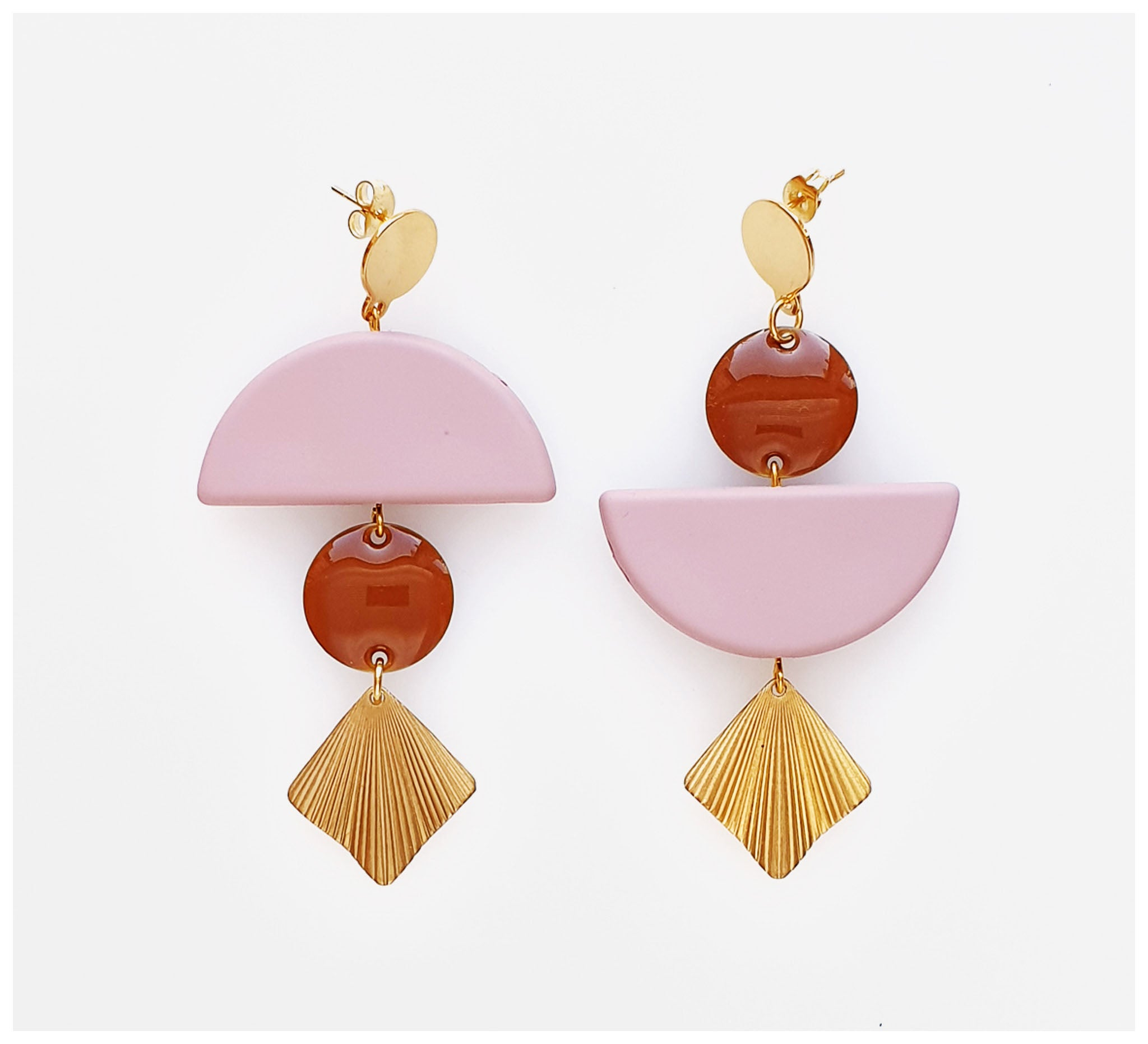 Middle Child - Lovefool Earrings - Pink