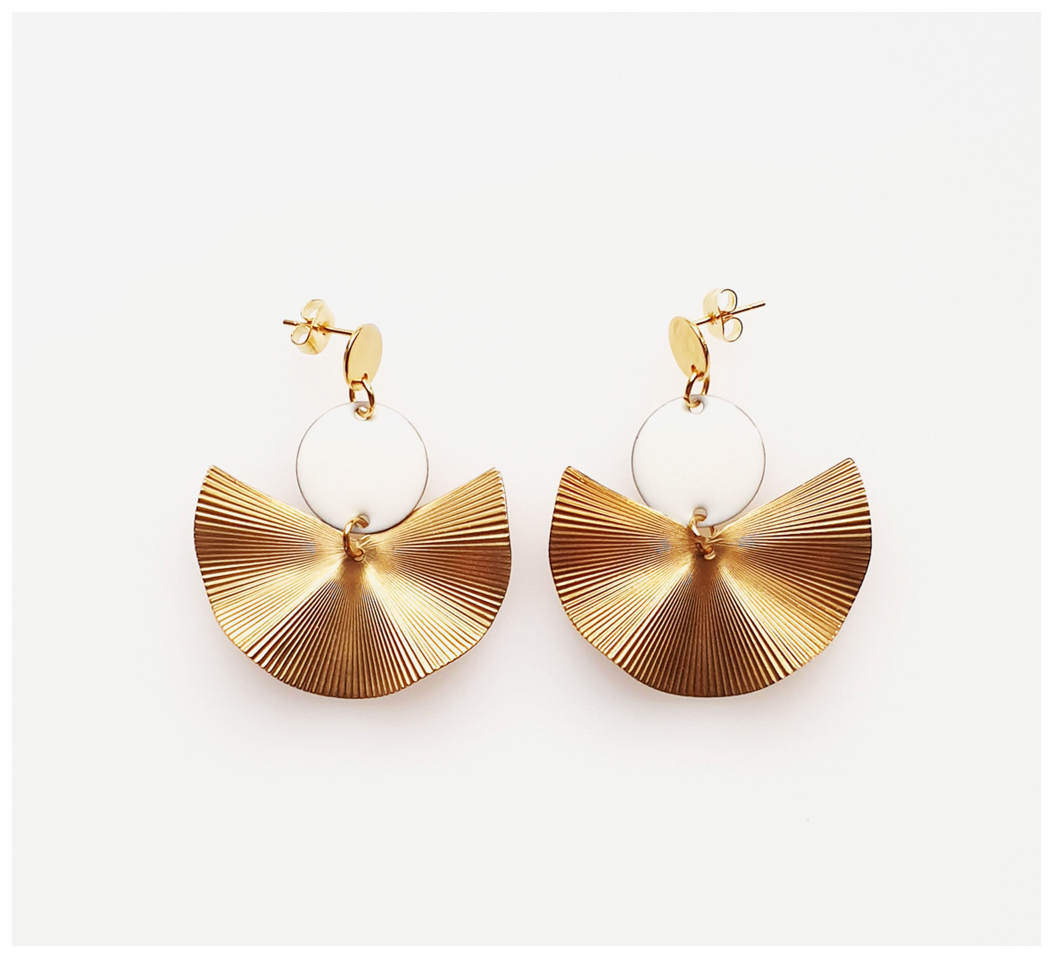 Middle Child - Munroe Earrings - White