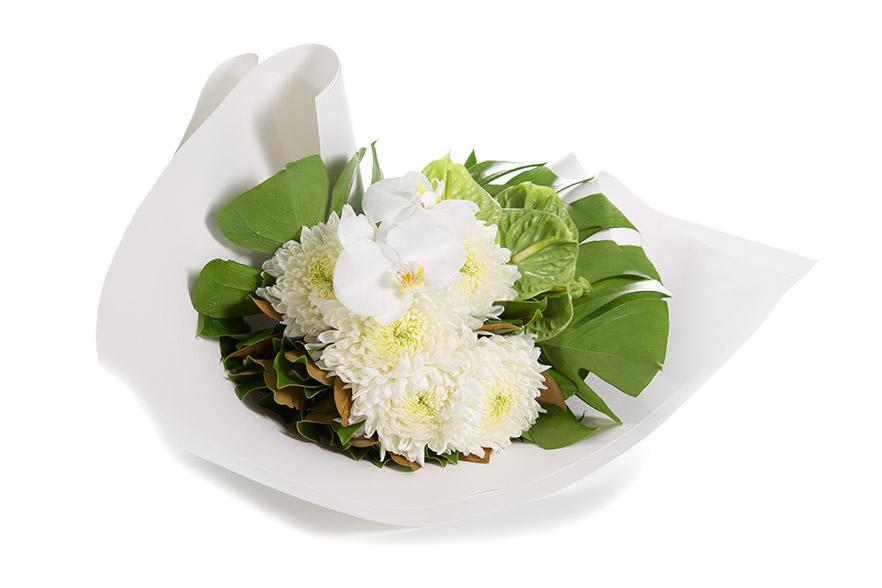 White and green bouquet ready for flower delivery in Melblourne
