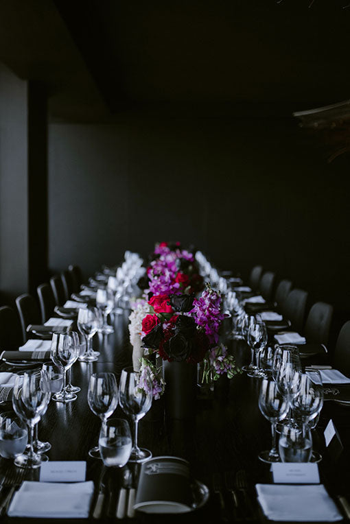 Table setting wedding flowers