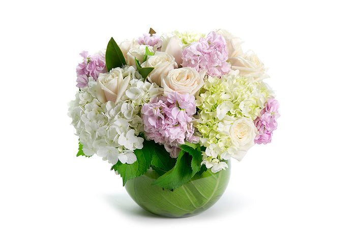 Vase design of classic pastel fragrant flowers