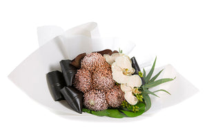 Flower bouquet featuring flowers in latte tones
