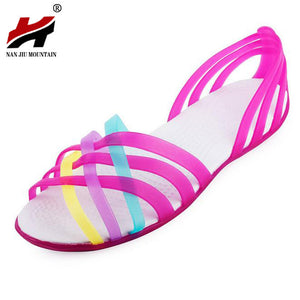 Women Sandals 2017 Hot Summer New Candy Color Women Shoes Peep Toe Stappy Beach Valentine Rainbow Croc Jelly Shoes Woman Flats