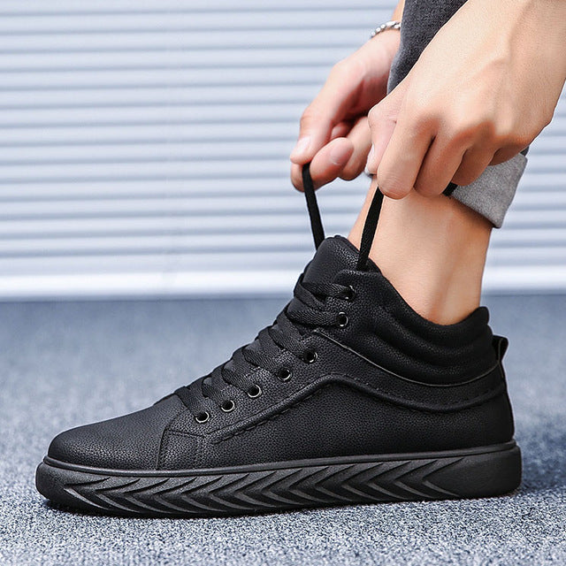High Top Men Casual Shoes Black PU Leather Mens Shoes Zapatos Hombre Casual Chaussure Homme Loafers Shoes Men 2018