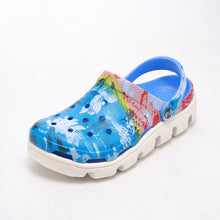 Couple Hole Clogs Men Beach Slippers New 2017 Summer Eva Sandals Beach Shoes Mules Flip Flops Garden Fashion Breathable Hot Sale