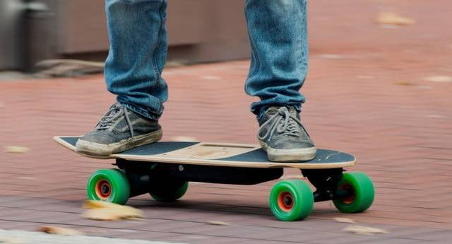 How Do You Pick Your First Electric Skateboard? The Ultimate Guide!