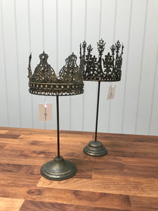 Q Crown Candlestick