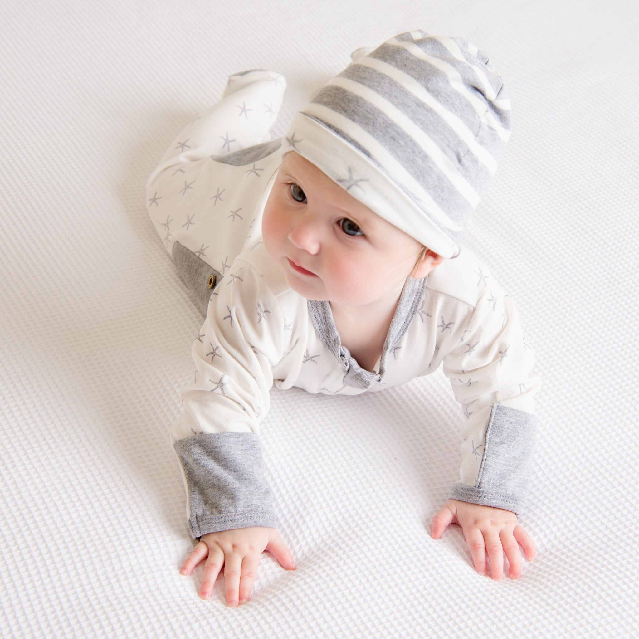 Grey Reversible Beanie-Beanie-Li'l Zippers-Baby-Zip-Rompers