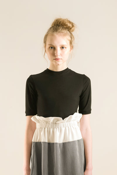 black cropped t shirt