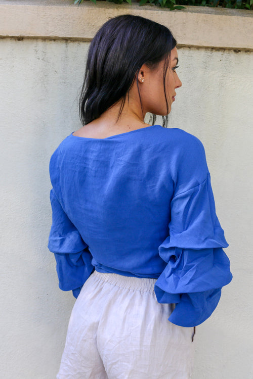 Women's blue ruffled sleeves tie-up top