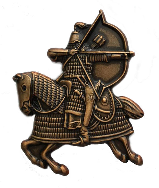 Mongol Warrior on horseback attacking with bow and arrow - Pin/Broach