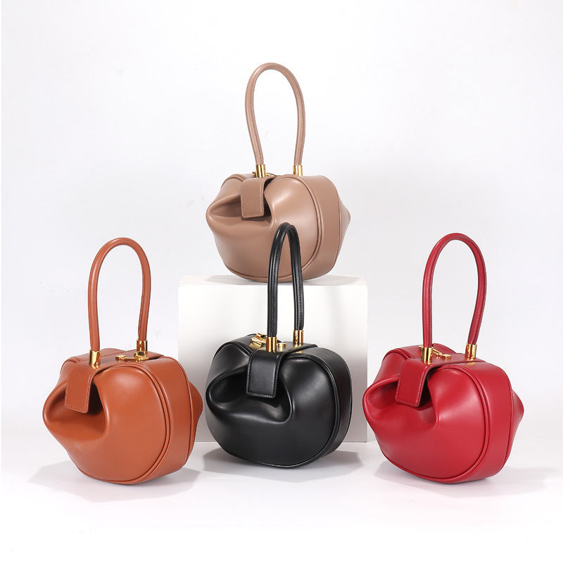 European and American fashion retro niche leather shoulder bag