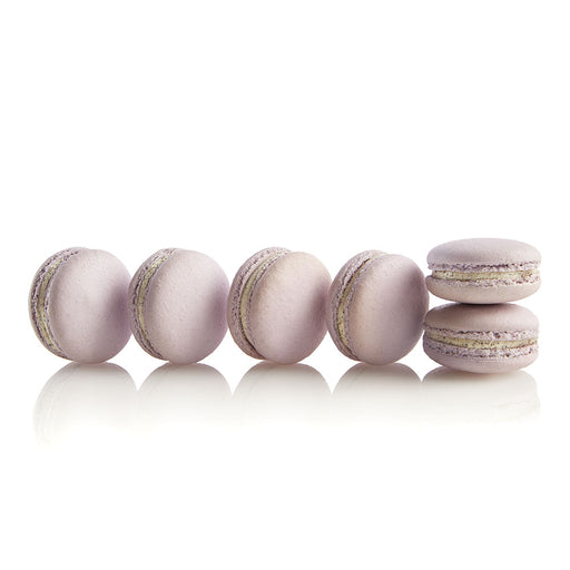 Oreo Cookie Macarons - Colette & Lola