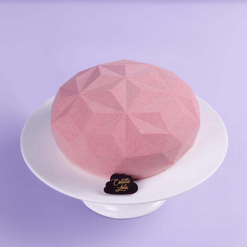 Colette Lola - Delice Ruby Chocolate Cake