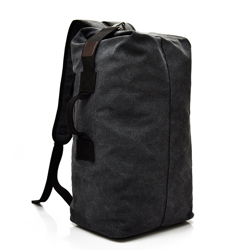 ULTIMATE MOUNTAINEER - One Bag Vagabond
