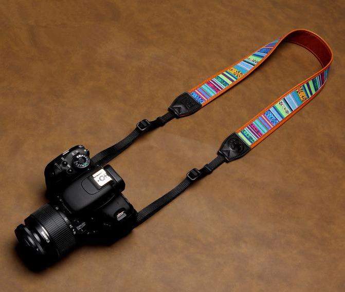 CROSS-COLOURS CAMERA NECK STRAP