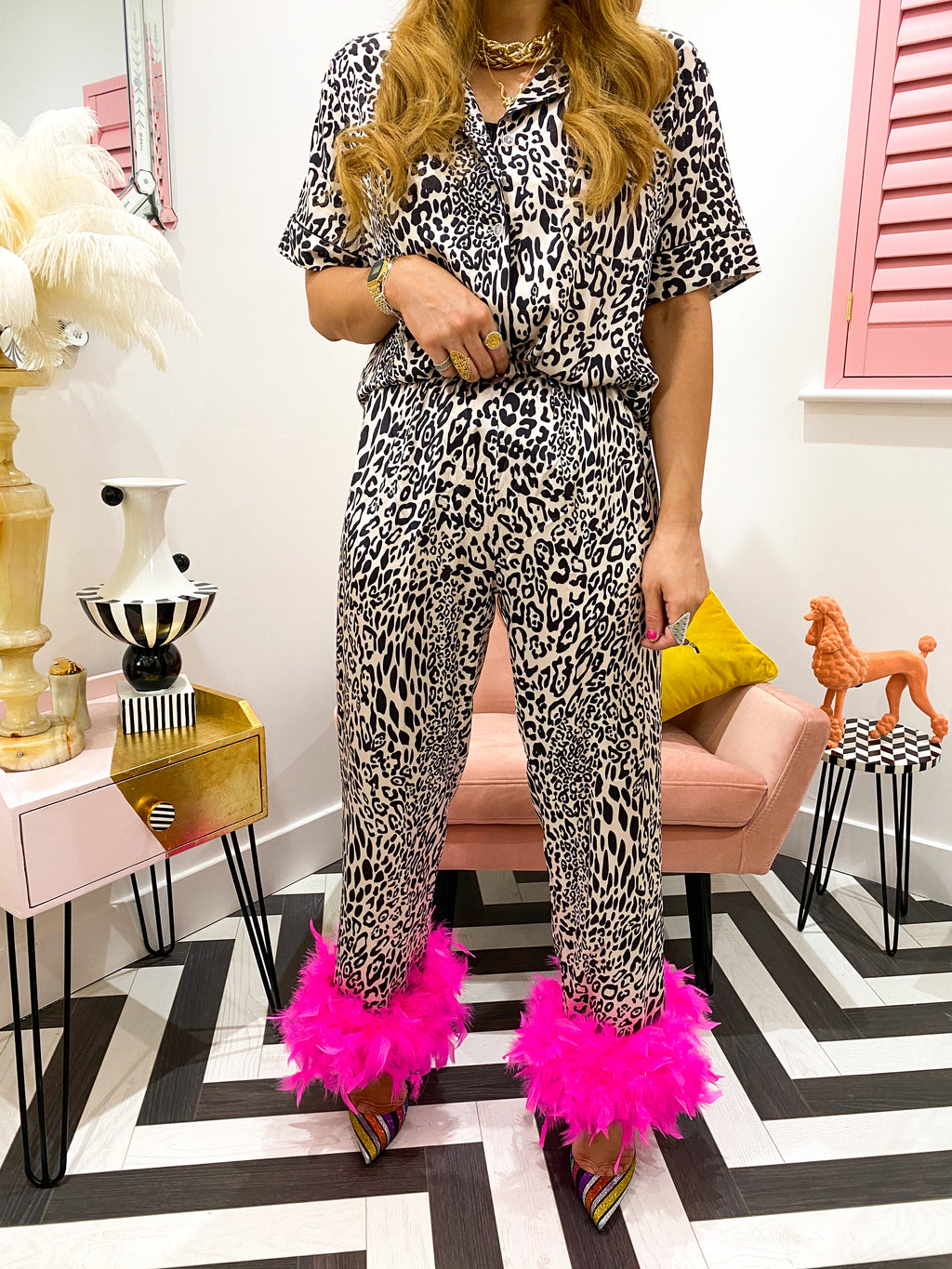 SHIPPING 3/5 DAYS: HOT PINK FEATHER DETAIL PYJAMA'S IN LEOPARD PRINT