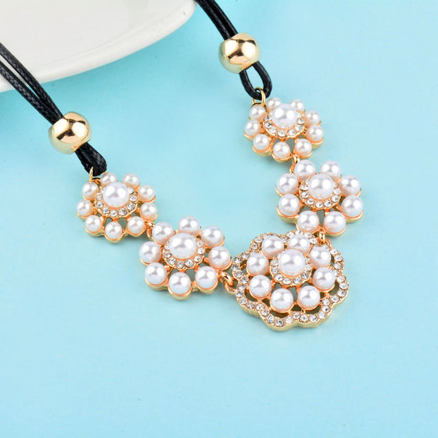 Elegant Simulated Pearl Choker Necklace
