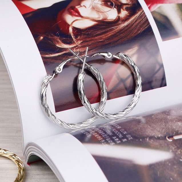 Women Round Twisted Hoop Earrings