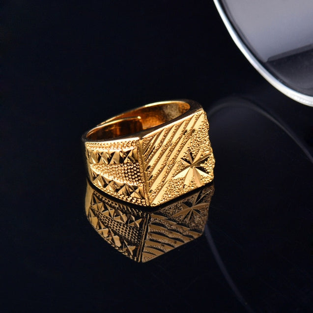 Luxurious Wide Geometric Patterns Ring