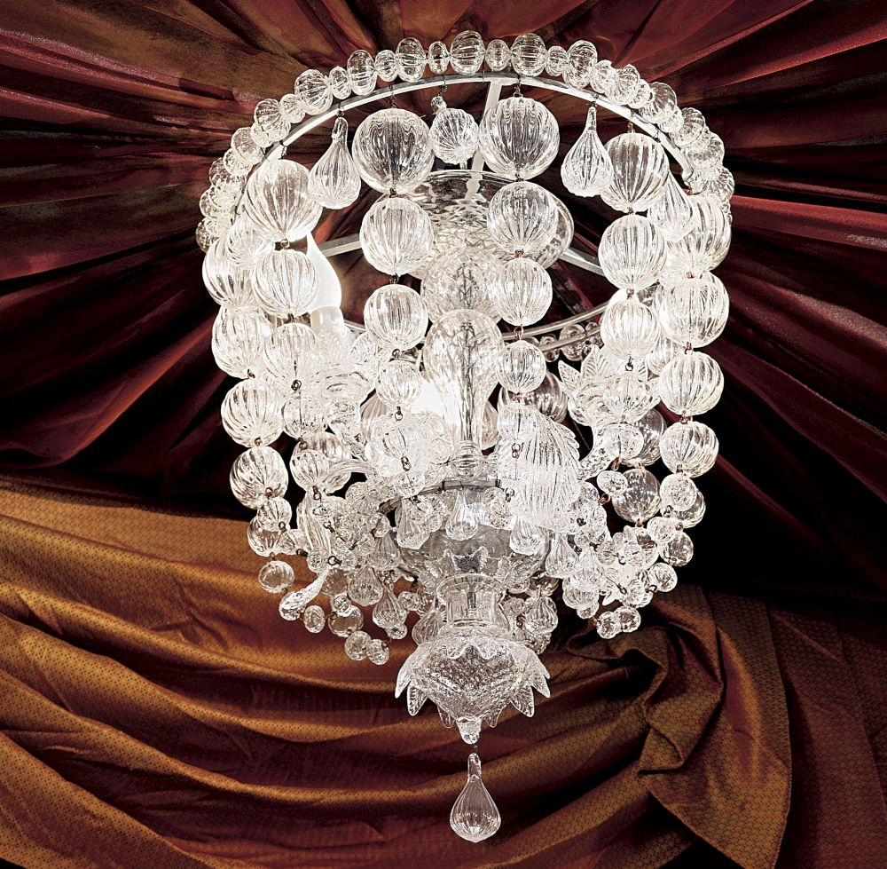 Elegant ceiling light fitting with hand-crafted Venetian glass baubles
