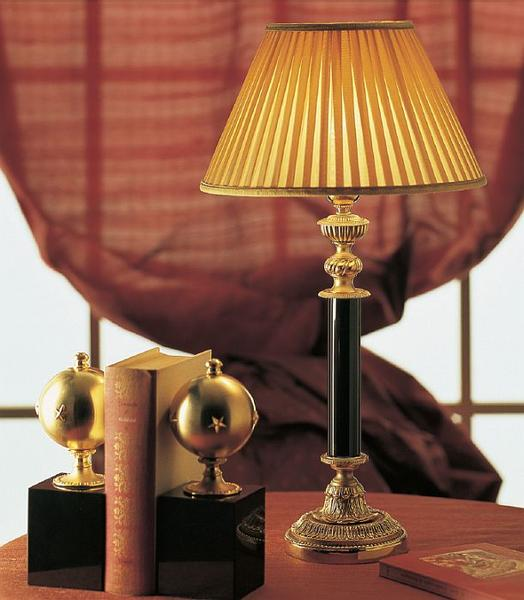 Classic table lamp from Italy with 4 marble colors, 24 carat gold accents and pleated shade