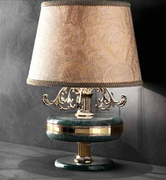 Classic gold-plated Italian table lamp with pink marble decoration