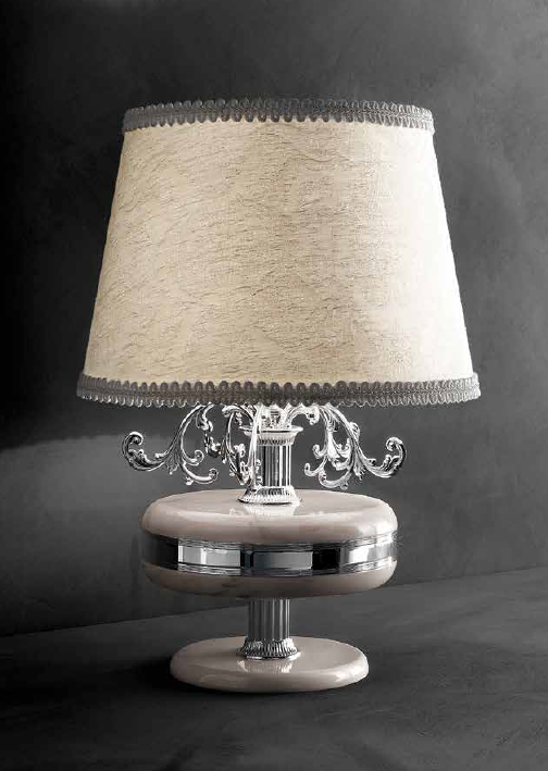 Classic silver-plated Italian table lamp with pink marble decoration