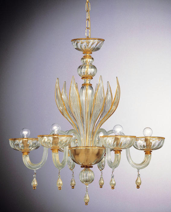Clear Murano chandelier with teardrop pendants and warm amber detailing