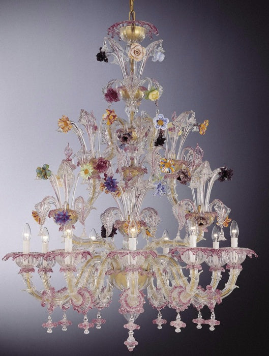 Charmimg large Murano glass flower chandelier in the 18th century Rezzonico style