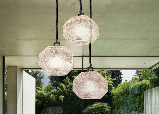 Chic contemporary Italian cluster light with three beautiful engraved crystal diffusers