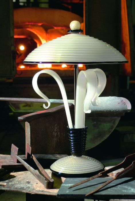 Classic art deco table lamp in Murano glass, in a range of great colors