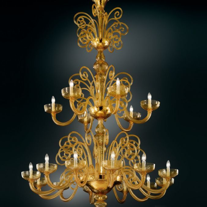 Spectacular two metre tall amber centerpiece chandelier with 18 lights