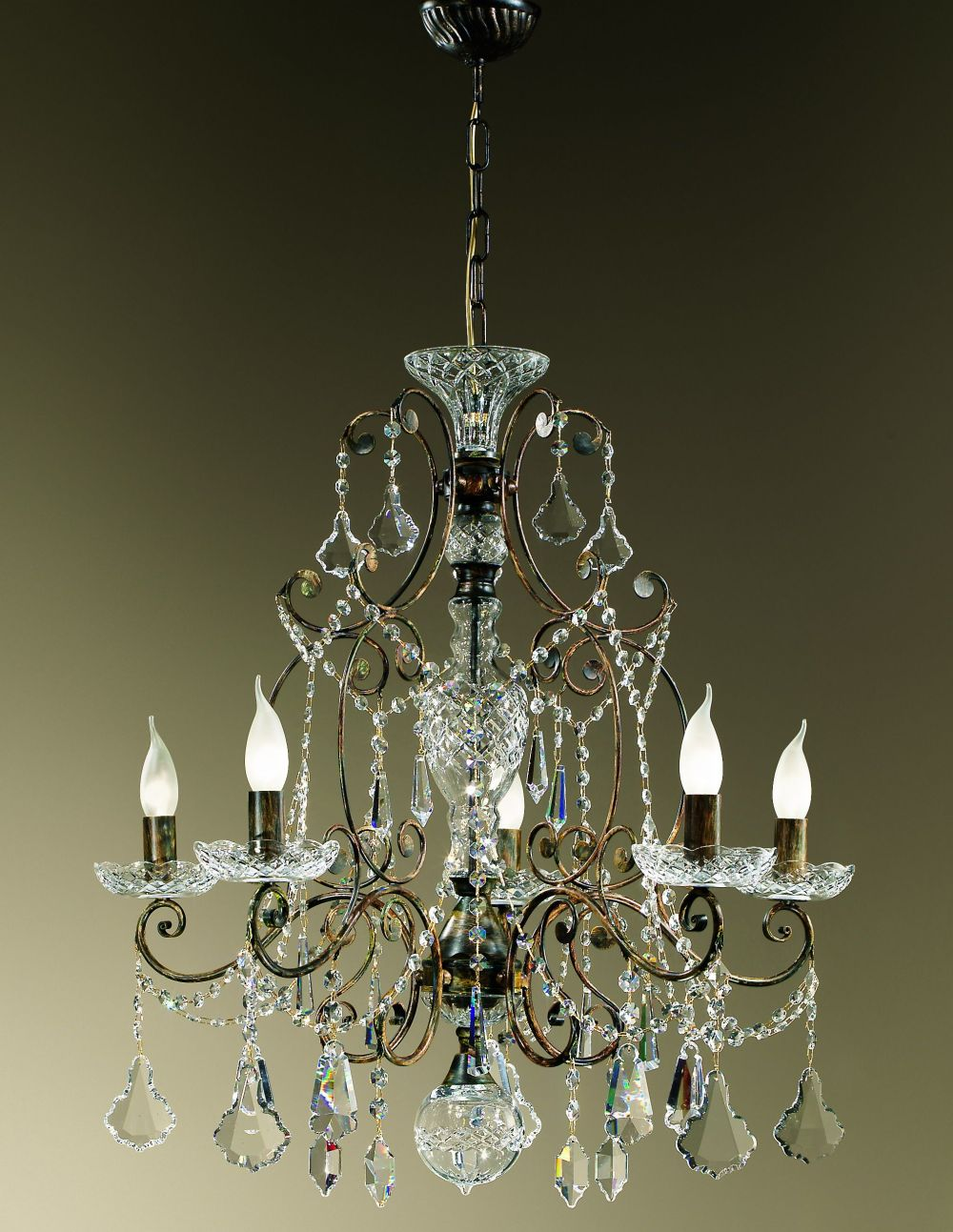 Fine 5 light Italian chandelier with cut crystal pendants