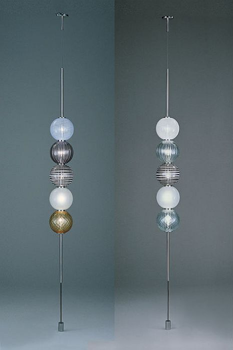The Abaco Murano glass globe ceiling light from Venini with 5 lights