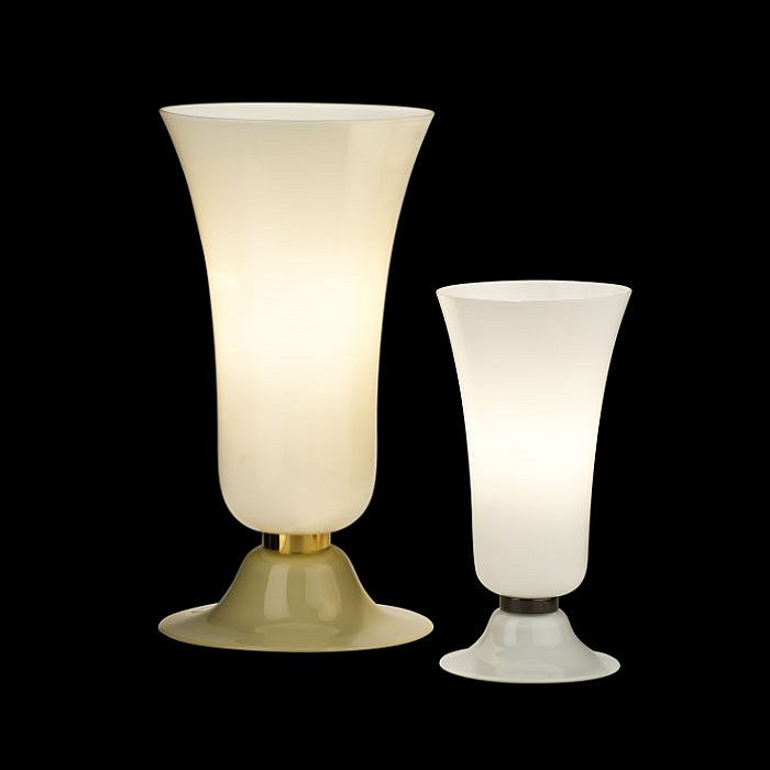 The gorgeous Anni Trenta Murano glass table lamp from Venini