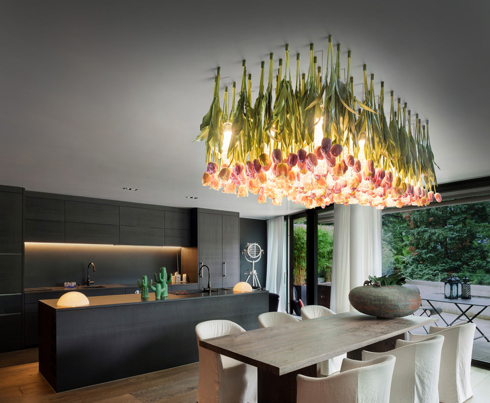 Glorious high-end Italian chandelier with artificial pink tulips and Murano glass diffusers
