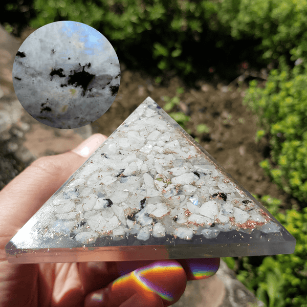 orgonite l'originale en pierre de lune