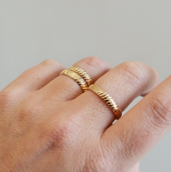 Glamrocks 14k Yellow Gold Filled Textured Band Ring
