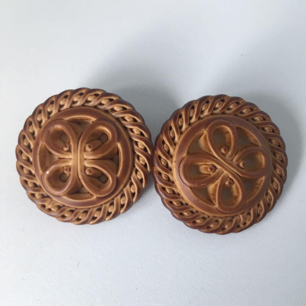 Chinese Wood Buttons