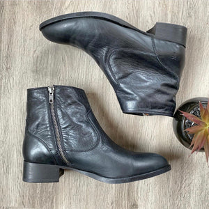 NEW Frye Brooke Short Black Booties Sz 9.5 (F)